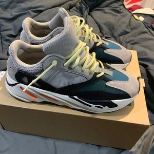 Yeezy Boost 700 wave runners
